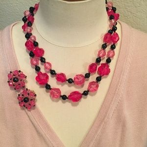 Vintage necklace and earrings pink and black